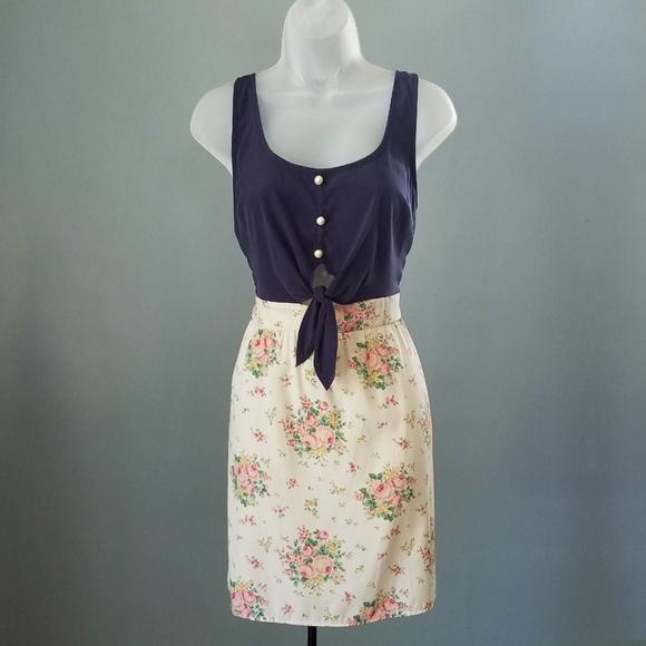 Solemio Dresses & Skirts - Solemio Tie Waist Floral Sleeveless Dress Medium